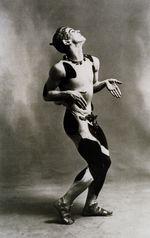 Vaslav Nijinsky i sin debutballet En Fauns eftermiddag, 1912jpg